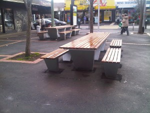 Street Furniture, Wallis Mall