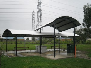 Curved Roof Shelter – Brookland Green